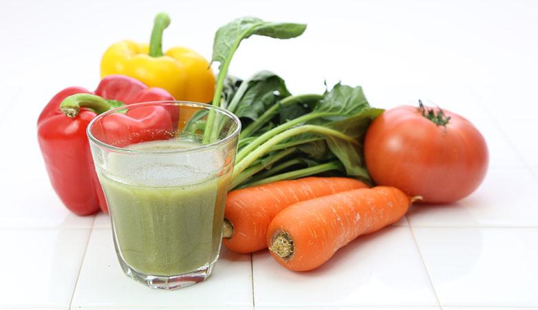 グリーンスムージーの効果的な飲み方は?おすすめ食材やレシピ公開!