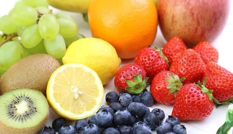 グリーンスムージーの野菜ジュースや青汁との違いを栄養・効果面で比較!