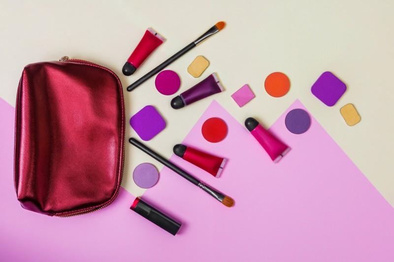 デパコス&プチプラコスメ福袋2019ネタバレ・通販・ブランド一覧!【まとめ】