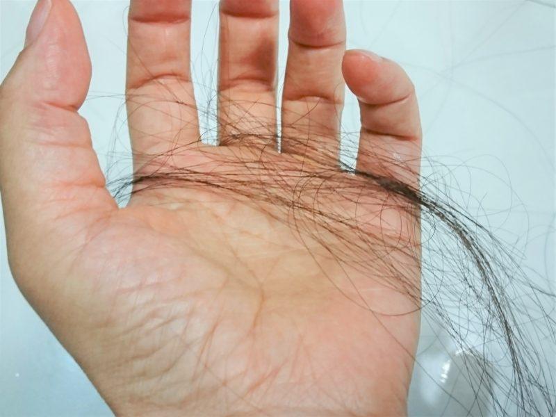 女性の抜け毛が多い原因とは?対策や改善方法について調査!